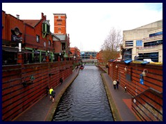 Worcester and Birmingham Canal 01.JPG