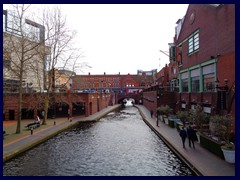 Worcester and Birmingham Canal 04.JPG