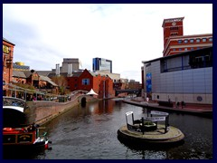 Worcester and Birmingham Canal 13.JPG