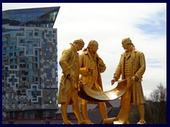 Centenary Square 20 - The Cube, Boulton, Watt, Murdoch statues