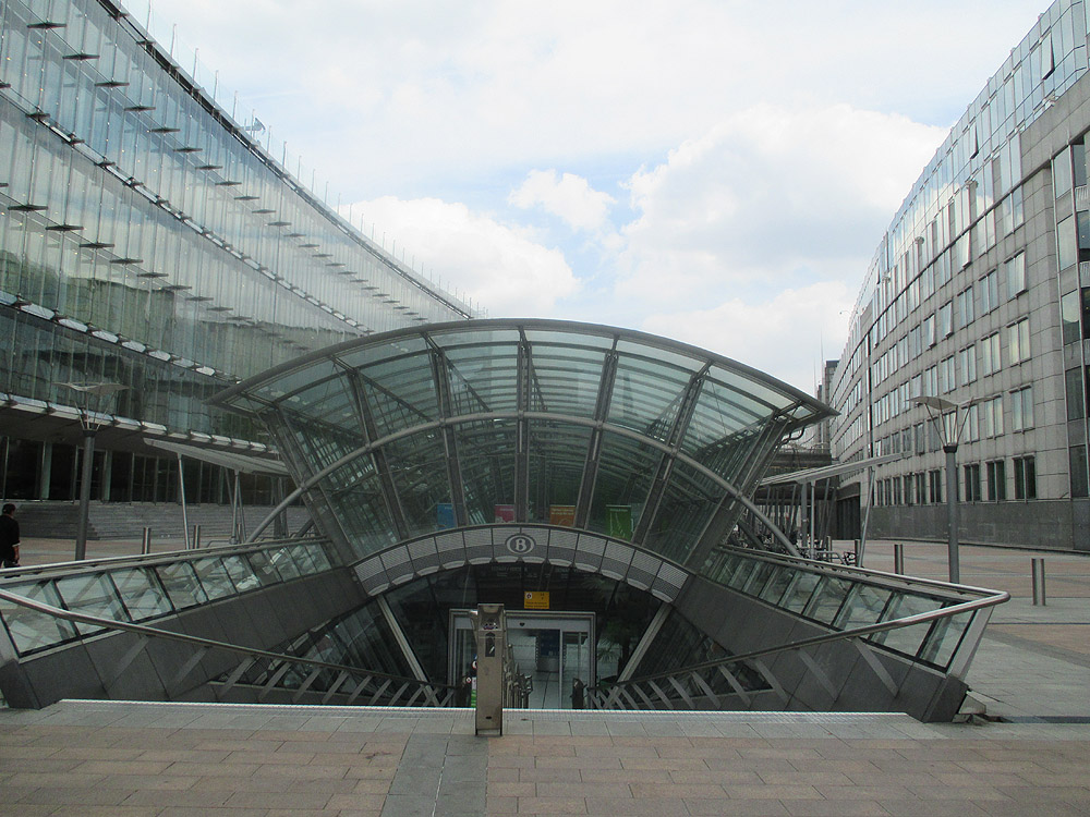 Brussels european quarter place du luxembourg eu - Station metro jardin du luxembourg ...