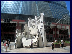 Daley Plaza 32 - Thompson Center and Picasso sculpture