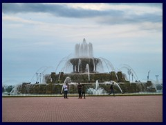 Grant Park  24 - Buckingham Fountain before the storm