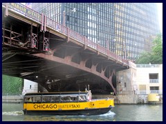Chicago Riverwalk 032 - Water taxi below Wabash Ave