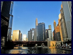 Chicago Riverwalk 051 - Marina City