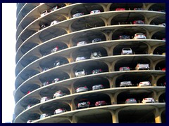 Chicago Riverwalk 052  - Marina City