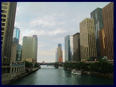 S Michigan Avenue begins at Chicago River