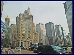 S Michigan Avenue seen from Magnificent Mile (N Michigan Ave)