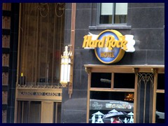 S Michigan Avenue 023  - Carbide and Carbon Bldg, now Hard Rock Hotel