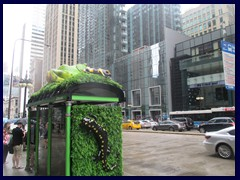 S Michigan Avenue 024 - unusual bus stop