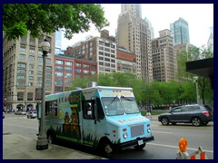 S Michigan Avenue 061 - donut truck at Grant Park