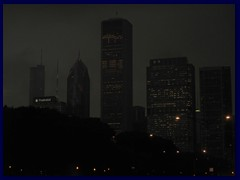 Chicago by night - Buckingham Fountain and views from Grant Park 03