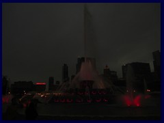 Chicago by night - Buckingham Fountain and views from Grant Park 08