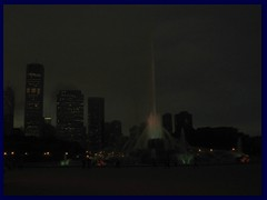Chicago by night - Buckingham Fountain and views from Grant Park 14