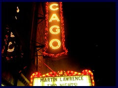 Chicago by night - the Loop - Chicago Theatre