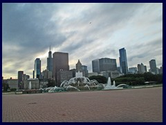 Skyline from Grant Park 09 - Buckingham Fountain and skyscrapers