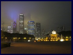 Skyline from Grant Park 21 - Buckingham Fountain and skyscrapers before the storm