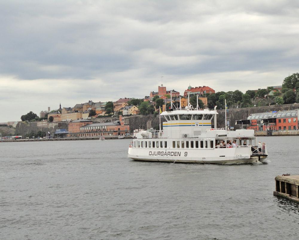 ferry slussen djurgården