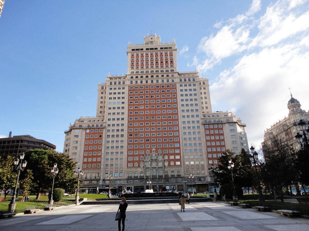 a m tall hotel from it was completed in it was madridus tallest building until when it was surpassed by torre de madrid see above
