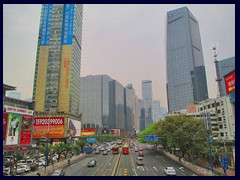 Tianhe Road towards the skyscrapers of Tianhe's CBD.
