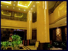The lobby of the YuTong, our 4-star hotel, is a postmodern 2-storey atrium in Asian style
