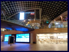 Leeds by night - Trinity shopping mall
