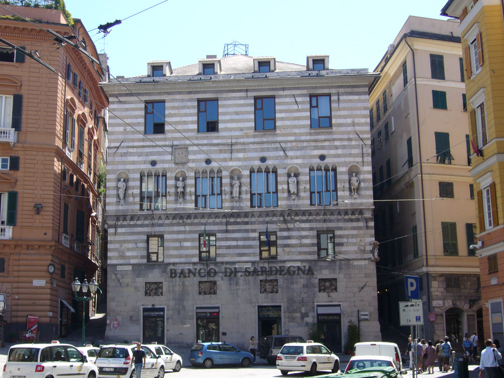 World Travel Images - Genova - City Center, Old Town, Piazza de ...