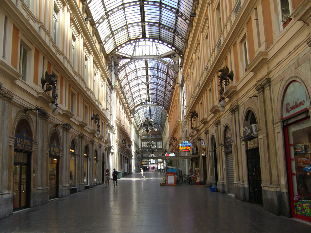 World Travel Images - Genova - City Center, Old Town, Piazza de ...