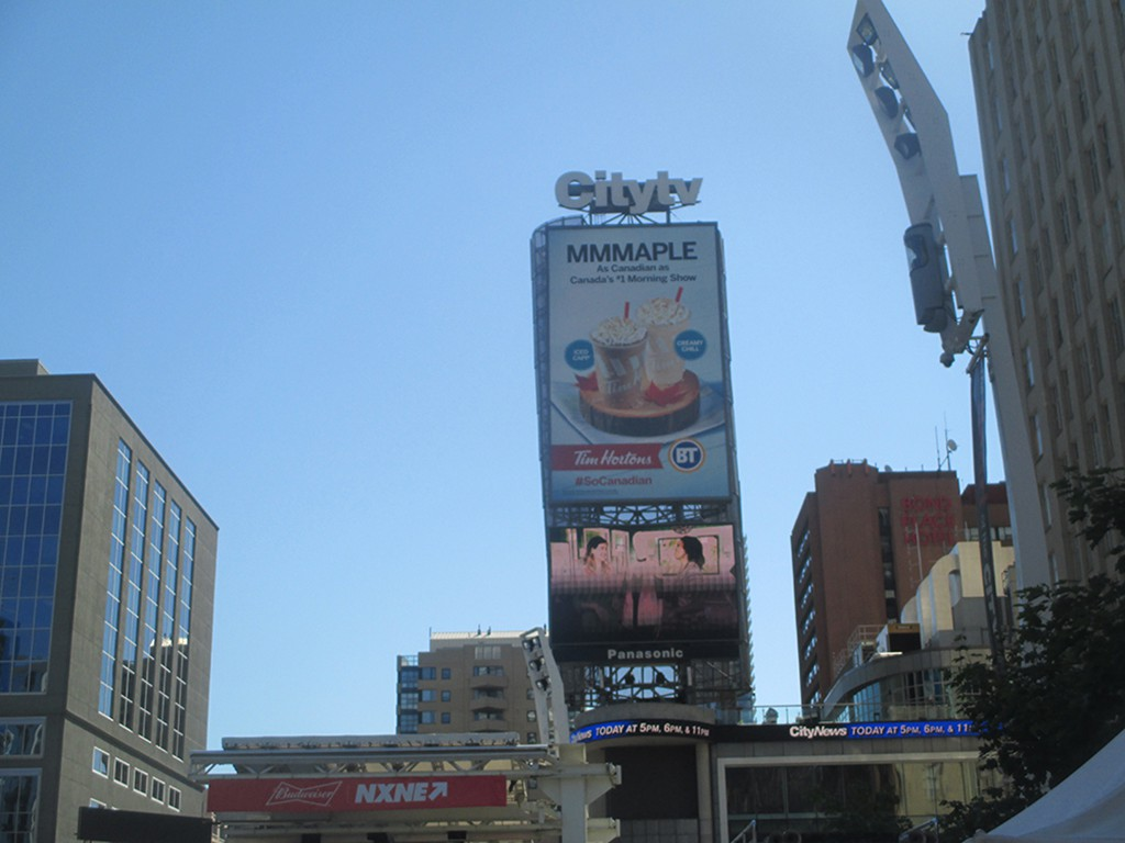 Restaurants Near Yonge Dundas Square
