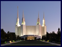 Washington_D.C._Temple_At_Dusk