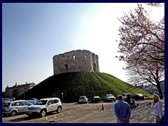 Clifford's Tower 01