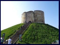 Clifford's Tower 02